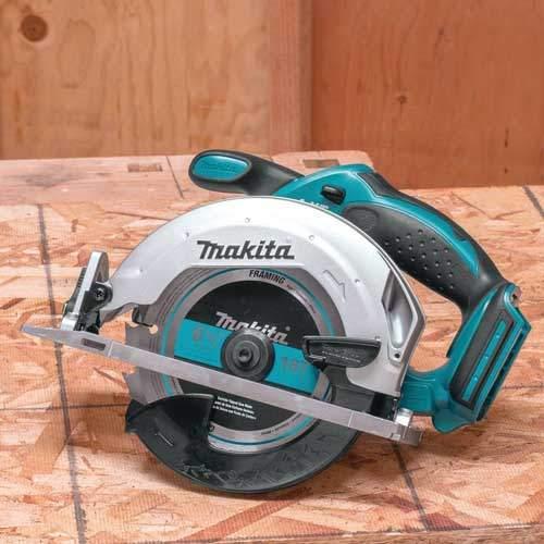 Makita XSS02Z Cordless Circular Saw