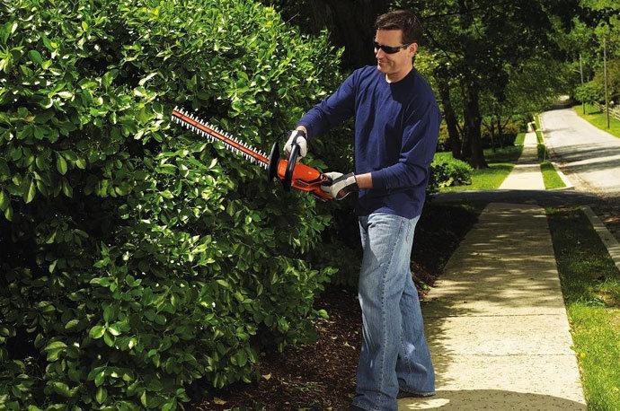 BLACK+DECKER LHT2220 20V Hedge Trimmer